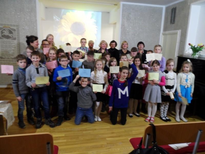 Pradinės mokyklos mokinukai skyrė eiles Lietuvai ir  Kovo 11-ajai