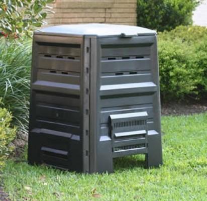 Pavasarį gėlynams ir daržams žmonės perka trąšas, nors ekologiškų trąšų – komposto – gali pasigaminti nemokamai rūšiuodami žaliąsias atliekas.