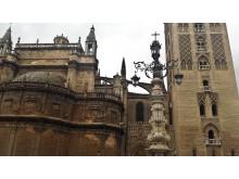Sevilijos katedros ir minareto (dabar jau varpinės) fragmentas.