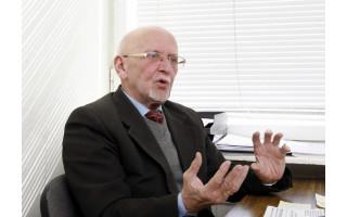 Gegužės 8-oji Palangoje: prieš 75 metus gimė pirmasis Palangos kurorto muziejaus direktorius Jūratis Viktoras Liachovičius