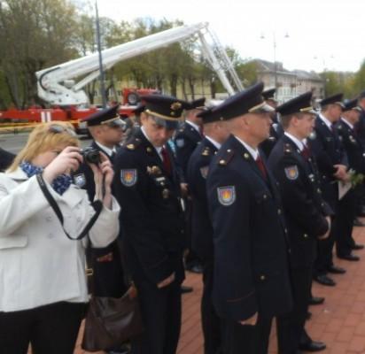 Pirmas iš kairės Latvijos Kuržemės regiono brigados vadas Andrėjs Belakovs, Palangos PGT skyrininkas Bronius Drungilas, Klaipėdos APGV viršininkas Gedeminas Karalius.
