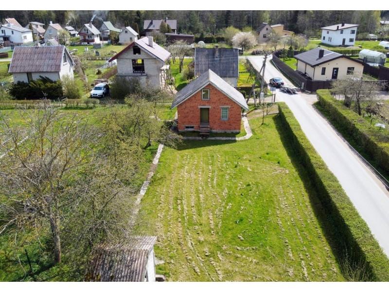 Buvusi sodininkų bendrijos valdybos pirmininkė privalės atlyginti keliolika tūkstančių eurų sodininkų bendrijai padarytą žalą