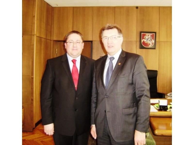 Iš  kairės: Palangos meras Šarūnas Vaitkus ir premjeras Algirdas Butkevičius.