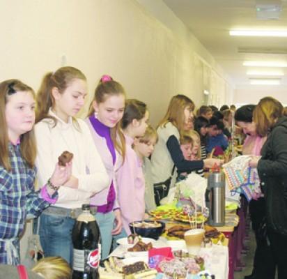 """Tautinių tradicijų bei amatų šventė """"Baltijoje"""" – nuotaikingoji Kaziuko mugė"""