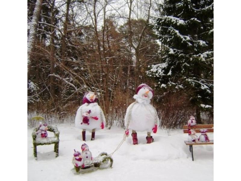 Palangos Birutės parkas pasidabino žiemiškomis kompozicijomis