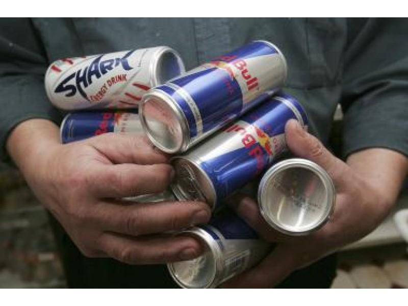Energetiniai gėrimai – draudžiami nepilnamečiams