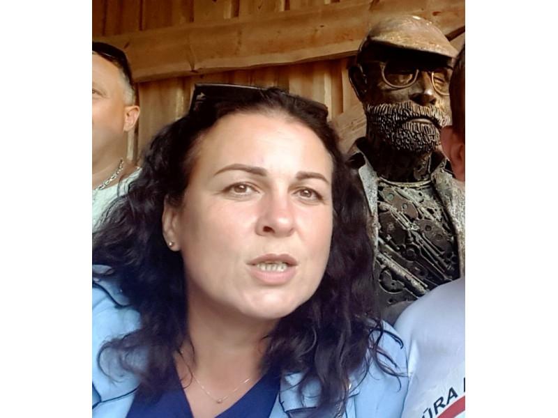 """Sulaikyta buvo ir """"Šeimų sąjūdžio"""" aktyvistė – palangiškė Adelina Sabaliauskaitė. Ji jau anksčiau Palangoje pagarsėjo kaip """"antivakserė"""". Nuotrauka is Adelinos Sabaliauskaitės Facebook"""