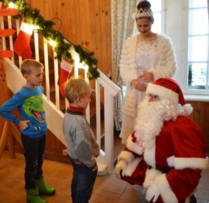 Palangoje duris atvėrė Kalėdų senio namelis