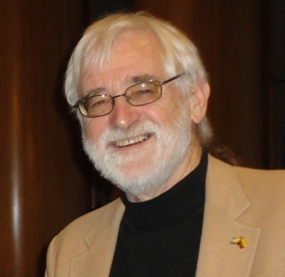 T. L. Larsonas.