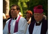 Vyskupas iš bažnyčios išvijo kunigą Maironį