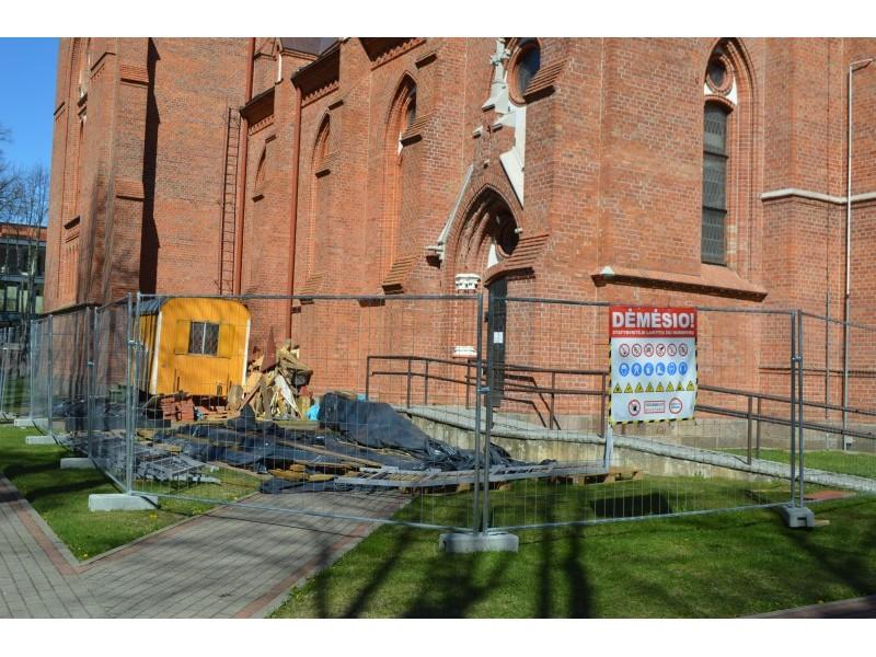 Bažnyčios bokšte verda darbai – rudenį lankytojus pakvies apžvalgos aikštelė