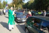 Per automobilių pašventinimą  neišvengta ir kelių eismo taisyklių pažeidimų