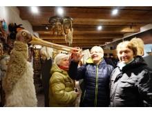 Užgavėnių kaukių muziejuje Plateliuose palangiškiai džiaugėsi radiniais.