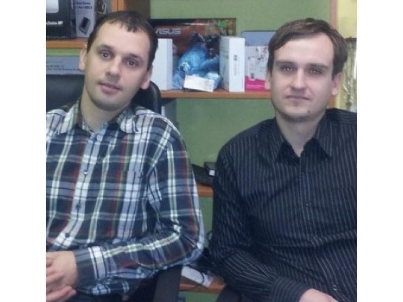 """UAB """"Topara"""" vadovai Tomas Grikšas ir Paulius Aleksandravičius sakė savo darbą galintys pavadinti malonumu, o didžiausias jų siekis – kokybė."""