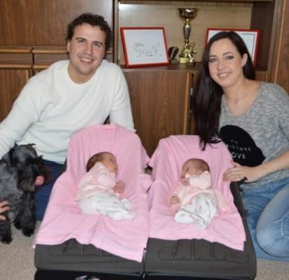 Sausio 27 dieną neseniai į Palangą atsikėlusių Ernestos ir Sauliaus Nemanių šeimoje gimė dvi palangiškės – Saulė ir Smiltė.