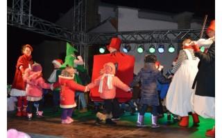 Šventojoje sužibo Kalėdų eglutė