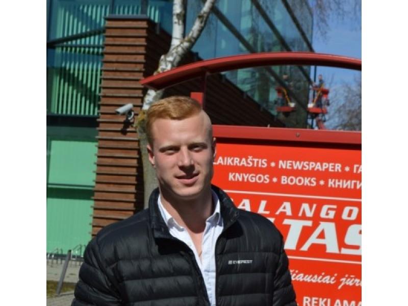 Žvejo gelbėtojas – 22 metų kretingiškis Lukas Strakšas, Vilniaus apskrities priešgaisrinės gelbėjimo valdybos (APGV) 1-osios komandos ugniagesys gelbėtojas.