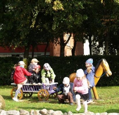 Pagrindinis programos tikslas – skatinti ikimokyklinio amžiaus vaikus ir pradinių klasių mokinius valgyti vaisius ir daržoves.