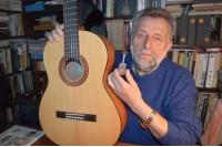 Įgyvendintas dar vienas sumanymas – miniatiūrinė gitara
