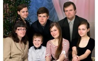 """Tėvystės """"užauginti sparnai"""": penki vaikai – ne riba"""