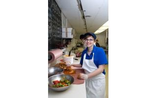 Darbdaviai vilioja barmenus bei padavėjus ir procentais nuo pardavimų
