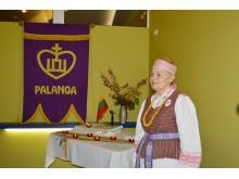Bendražygius su jubiliejumi sveikino LPKTS Palangos filialo pirmininkė I. Galdikaitė.