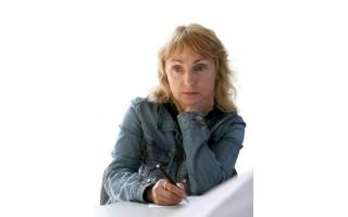 """Elena Karnauskaitė: """"Poetai yra visai neprasti eseistai"""""""