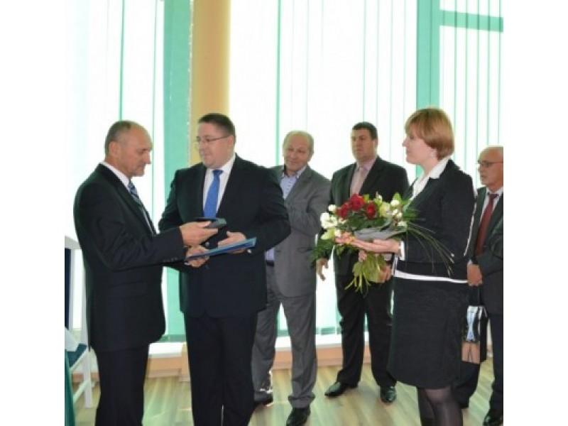 P. Madzajų sveikino Palangos miesto ir Savivaldybės administracijos vadovai bei Tarybos nariai.