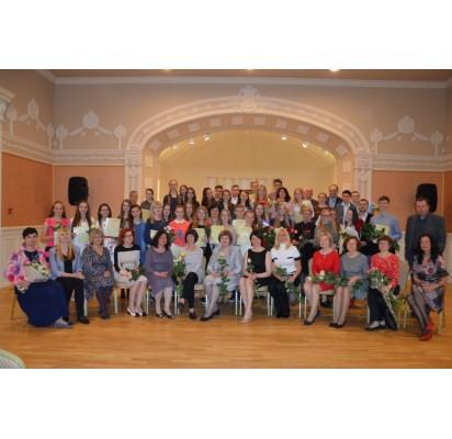 Stasio Vainiūno meno mokyklos absolventai pagerbti Kurhauzo salėje
