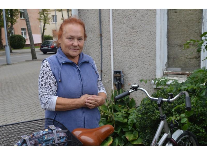 Palangiškė Juzė Asta Šimkūnienė pasidalino patirtimi, kaip nukentėjo nuo galingą elektrinį paspirtuką vairavusių jaunuolių.