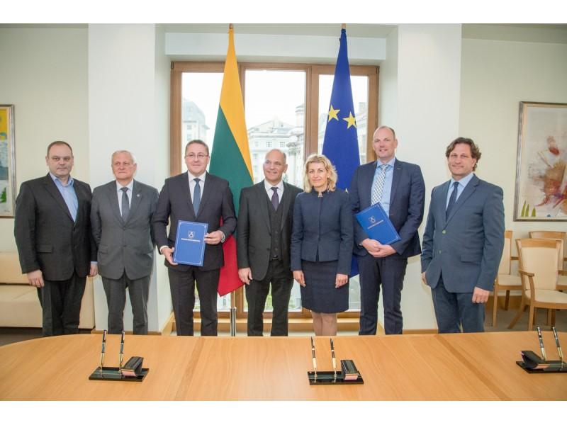 Vyriausybėje pasirašyta istorinė sutartis dėl prestižinio Europos varinių pučiamųjų orkestrų čempionato organizavimo Palangoje