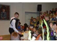 Šventine nuotaika dalinasi 7 išplėstinio ugdymo akordeono klasės mokinys  Algirdas Benetis