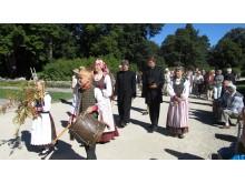 Birutės parko dienos svečiai pradeda savo kelionę.