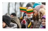 58,1 procento lietuvių patenkinti pokyčiais Nepriklausomybės metais, 28.4 procento- ne