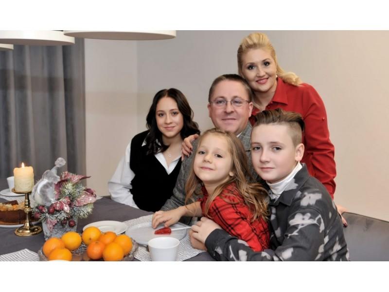 Palangos meras Šarūnas Vaitkus su žmona Vilma ir vaikais