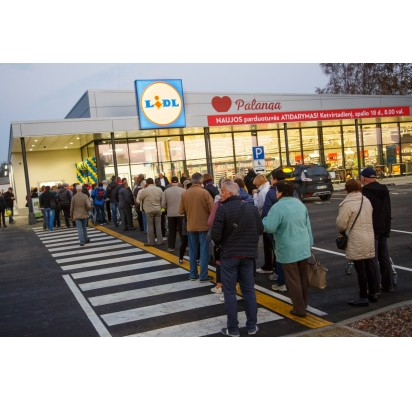 """Vakar duris atvėrė pirmoji Palangoje """"Lidl"""" parduotuvė"""