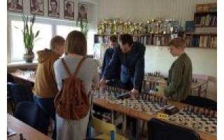 Jaunieji palangiškiai šachmatininkai varžėsi Klaipėdoje
