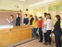 O. Labžentytė (stovi pirma iš kairės) savo darbo grupę mokė formuoti komandą.