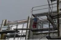 Renovuojamas namas gamtos šėlionių neatlaikė: lietus prasiveržė ir į butus