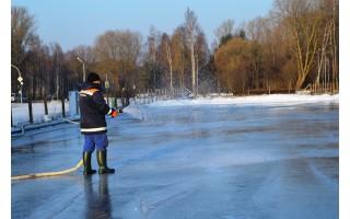 Palanga žiemos pramogų mėgėjams dovanoja čiuožyklas mieste ir Birutės parke