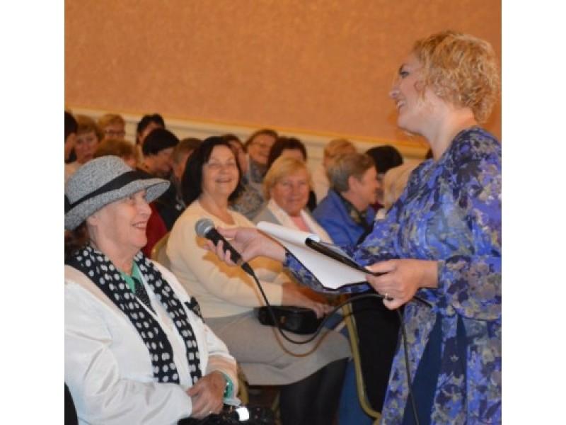 Renginį vedusi socialinė pedagogė I. Vaitkienė studentų teiravosi, kodėl jie renkasi TAU, taip pat tikrino jų žinias.