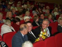 Senjorus studentus pasveikino meras Š. Vaitkus ir Seimo narys P. Žeimys.