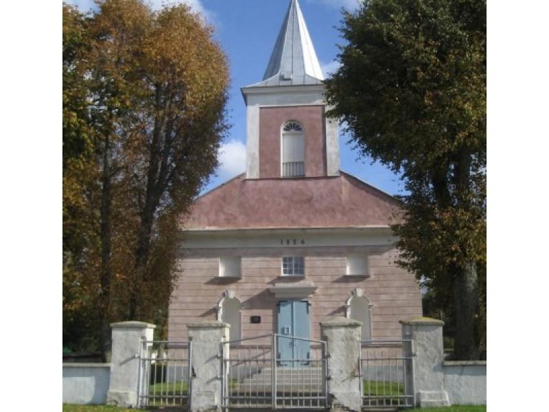 Būtingės bažnyčios statybos data  - 1824 m. - užfiksuota mūrinės bažnyčios frontone. / M. Ramanauskienės nuotr.