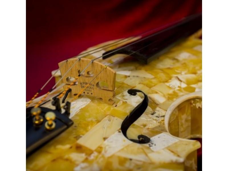 Unikalūs gintariniai instrumentai skambės Palangoje