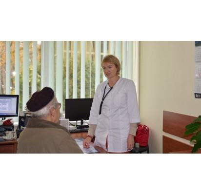 Poliklinikoje šeimos gydytoja dirbanti Sigita Didjurgienė sako pastaruoju metu pacientams padedanti ne vien tik kaip gydytoja, o ir psichologė ar socialinė darbuotoja. Dianos Kaluginos nuotr.