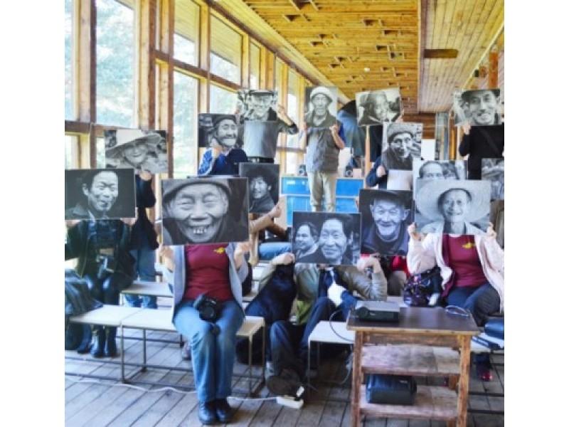 Plenero dalyviai surengė improvizuotą fotosesiją.