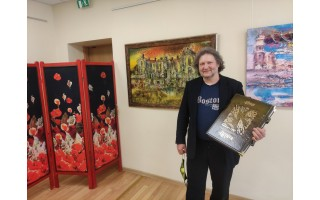 """Pirmą kartą Palangos viešojoje bibliotekoje eksponuojama žinomo dailininko Vidmanto Vaitkevičiaus paroda """"Lietuva"""""""