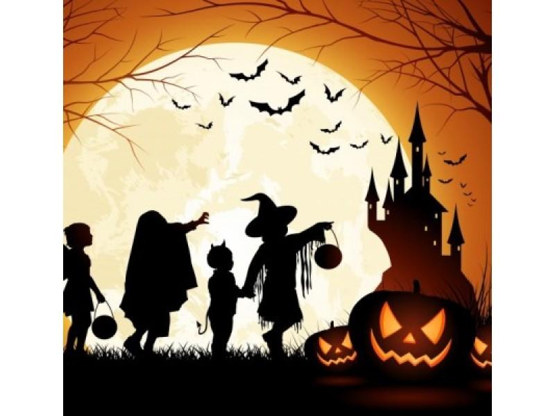 Apie turistus žiemą svajojanti Palanga Helovino velnių ir vaiduoklių purtosi