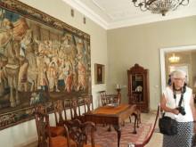 Reprezentacinėse rūmų salėse atkurta aristokratų rezidencijos aplinka.