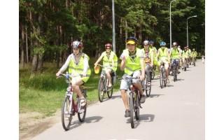 """Turistinis žygis dviračiais su šūkiu """"Sudie, Vasara!"""""""